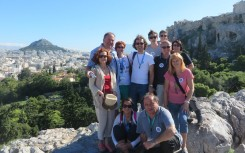 42 Skupinska fotografija v Atenah