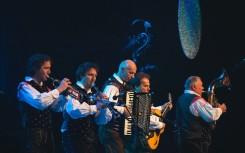 49 Alpski kvintet med nastopom